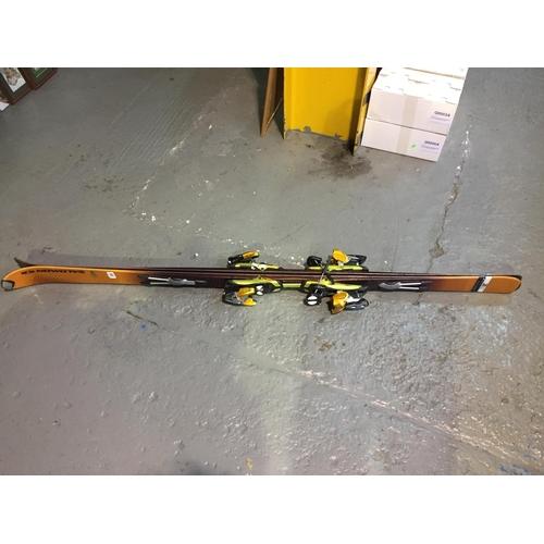 306 - Salomon Ski's...