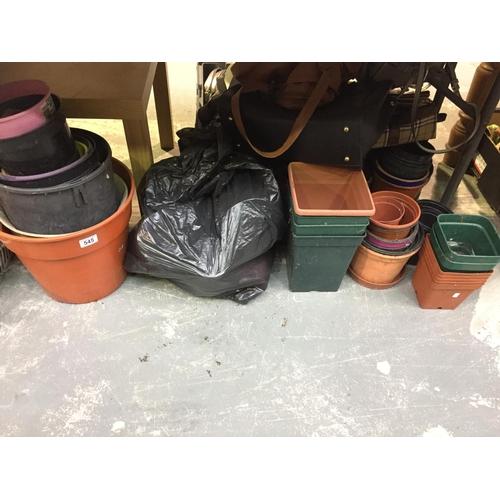 545 - Quantity of Plant Pots...