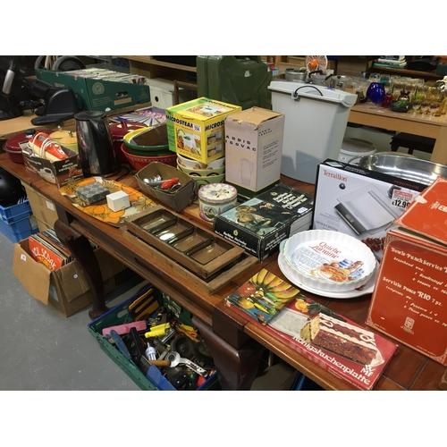 554 - Large Quantity of Vintage Kitchenware, etc...
