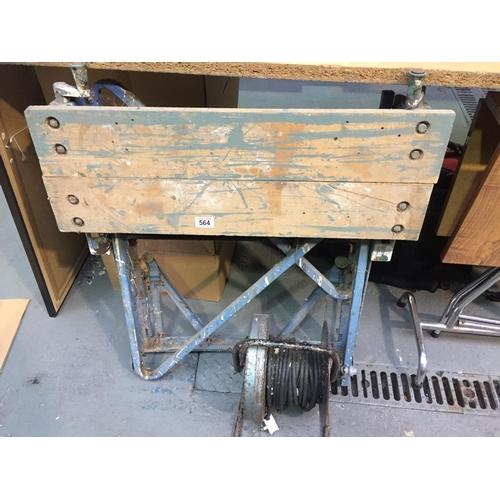 564 - Vintage Workmate & Extension...