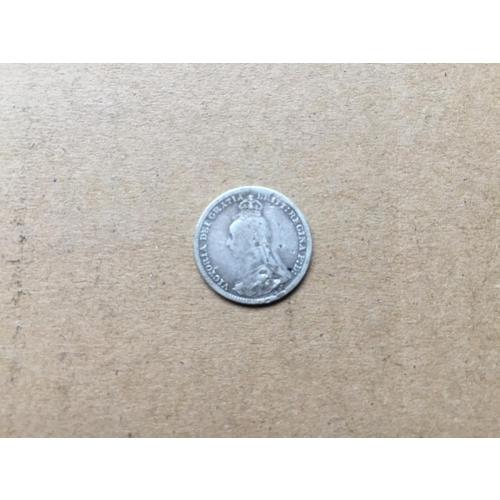 823 - Victorian Threepence 1892...