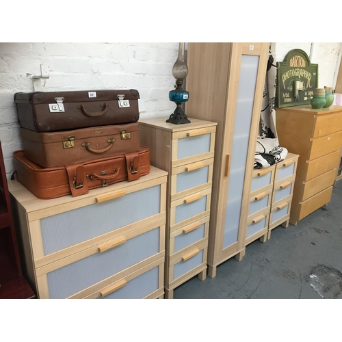 693 - 5 x Piece Ikea Bedroom Set...