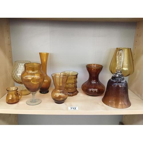 712 - Quantity of Yellow Glassware...