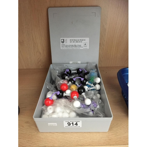 914 - Molecular Model Kit...