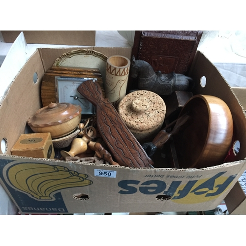 950 - Box of Treen...
