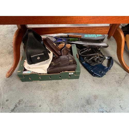 996 - Quantity of Handbags...