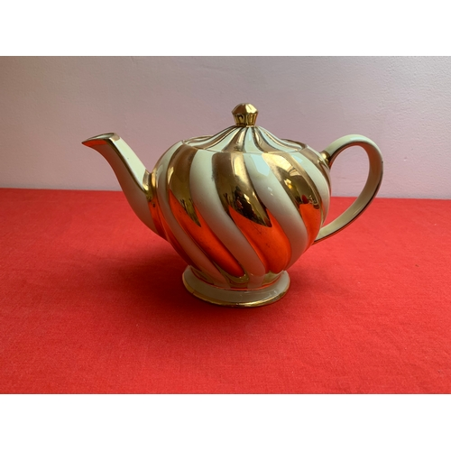 20 - Sadler Tea Pot...