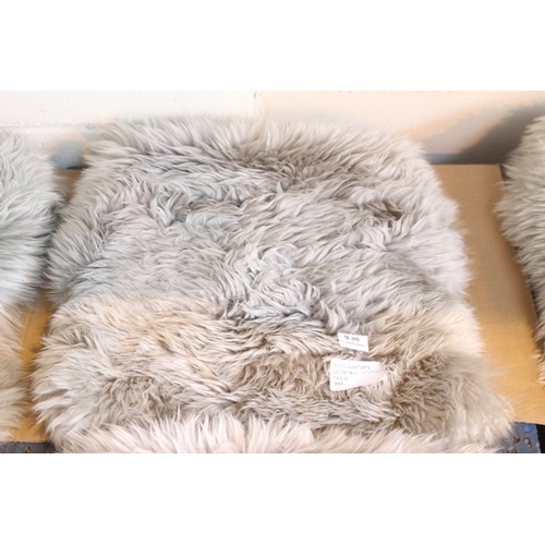 5 - 1X SHEEP SKIN RUG GREY 100% SHEEP SKIN MADE IN CHINA SINGLE RRP £30  (21.09.18)...