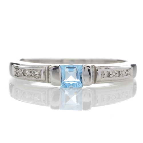 18180022L - Valued by GIE £1,360.00 - 9ct White Gold Fancy Cluster Diamond Blue Topaz Ring 0.03 Carats, Colour-D...