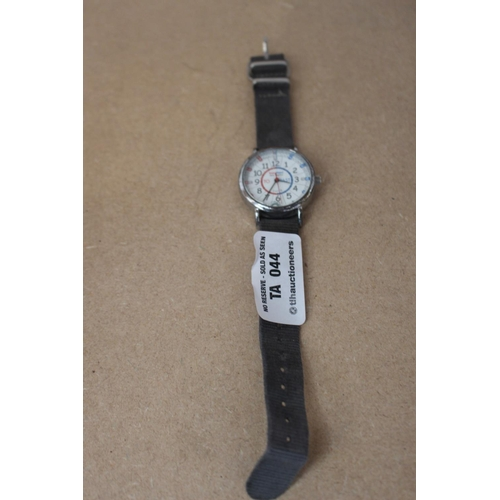 12 - 1 X SILVER EASY READ WATCH WITH GREY STRAP (EX44)...