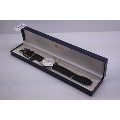96 - BOXED BRAND NEW HENDRY DESIGNER WRIST WATCH COMPLETE WITH 2 YEARS INTERNATIONAL RRP £100...