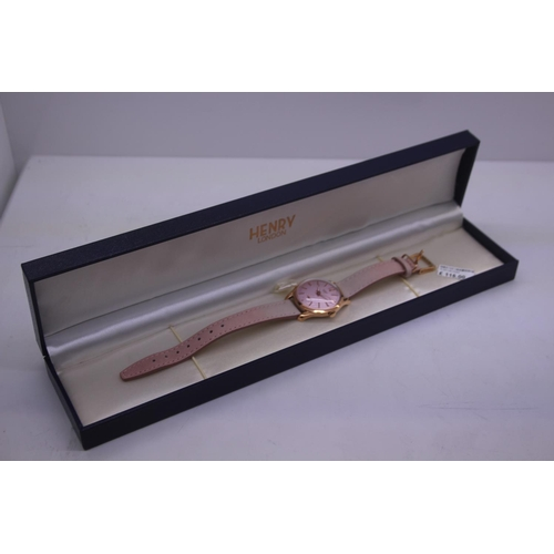 107 - BOXED BRAND NEW HENDRY DESIGNER WRIST WATCH COMPLETE WITH 2 YEARS INTERNATIONAL RRP £100...