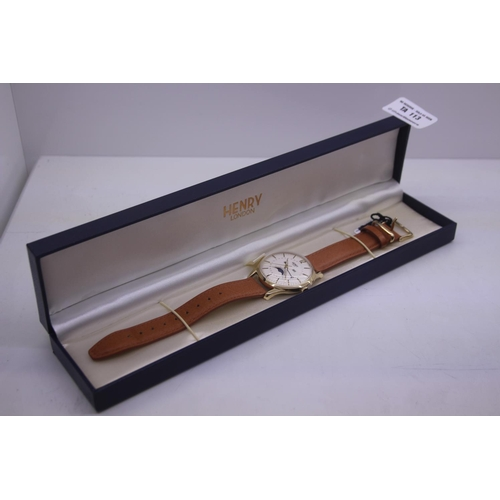 113 - BOXED BRAND NEW HENDRY DESIGNER WRIST WATCH COMPLETE WITH 2 YEARS INTERNATIONAL RRP £100...