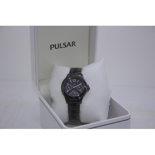 151 - BOXED BRAND NEW PULSAR DESIGNER WRIST WATCH COMPLETE WITH 2 YEARS INTERNATIONAL WARRANTY RRP £100...