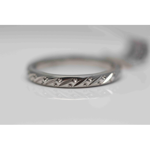 207 - **£850.00** PLATINUM DIAMOND CUT 2.5MM WIDE WEDDING BAND RING SIZE: L VALUE £850 (BN/XHBP800)...