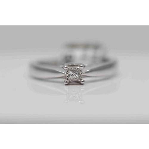 247 - **£985.00** 18CT WHITW GOLD PRINCESS CUT SOLTIAIRE DIAMOND RING, (0.10 CARAT) COLOUR: H CLARITY: VS-...