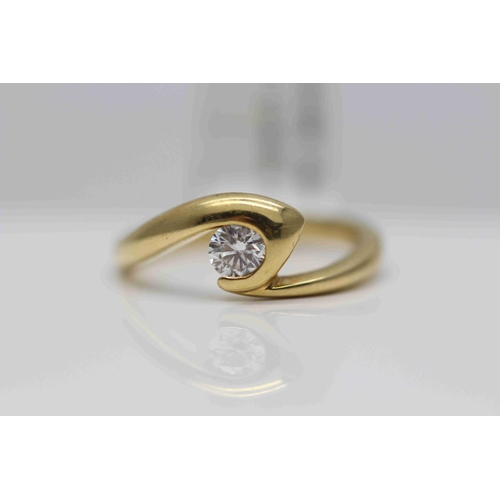 249 - **£1,650.00** 18CT YELLOW GOLD FANCY DESIGN BRILLIANT CUT DIAMOND SOLITAIRE RING (0.35 CARAT) COLOUR...