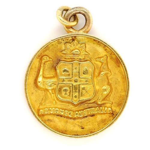 4 - 9ct gold