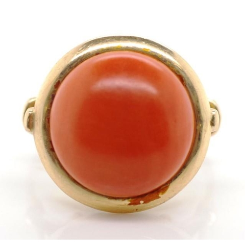 122 - Rose gold and coral ring marked K14 585 approx weight 5.98 grams, 13.8mm diameter cabochon, ring siz...