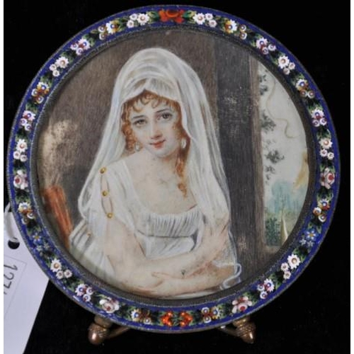 1353 - Antique Italian handpainted portrait of a lady painted on ivory, in a micro mosaic round frame, heig...