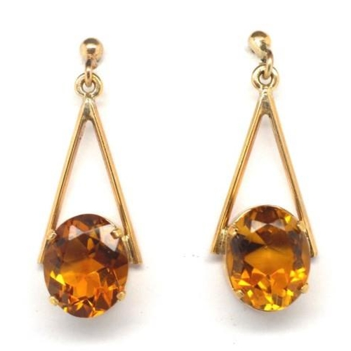 259 - Citrine and gold hanging earrings Unmarked with stud and butterfly backs approx 3.6 grams weight, 2x...
