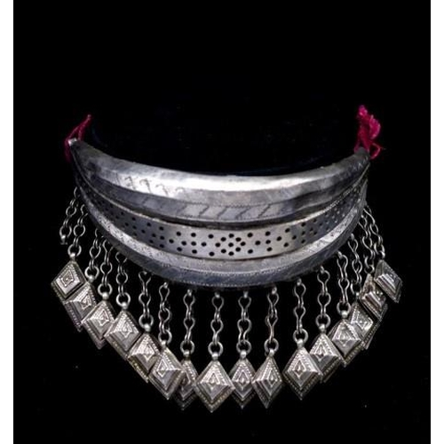 282 - Tribal silver collar necklace probably handmade from Rajasthan. Approx width of collar 175mm in the ...