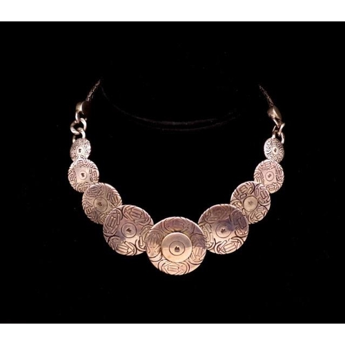 289 - Sterling silver graduated disc necklace marked 925 de approx 39cm length...
