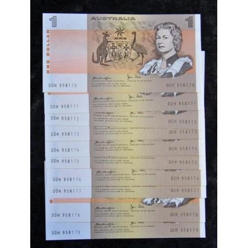 441 - Ten consecutive Australian $1 banknotes...