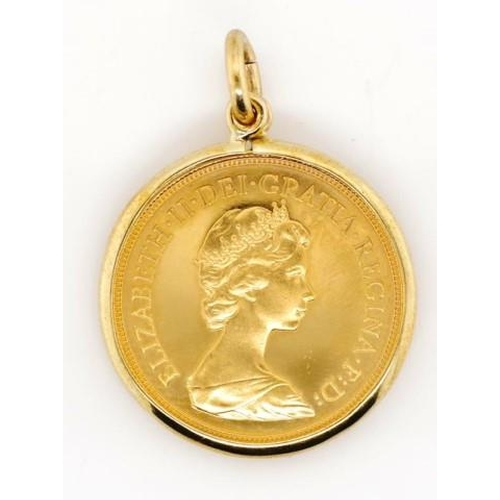 9 - Elizabeth II 1980 gold sovereign set in a pendant pendant marked 375 JC approx weight 9.8 grams weig...