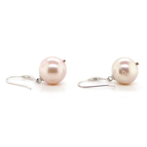 98 - 18ct gold and lavender pearl earrings size: approx 2.5cm drop...