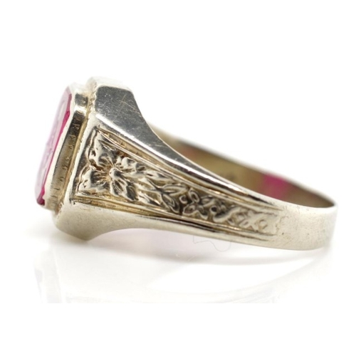 18ct white gold Masonic signet ring with flower decorated shoulders