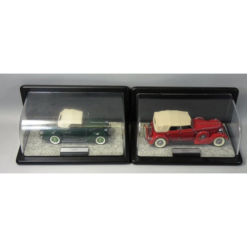 7 - Franklin Mint precision models, 1:24 scale 1936 Ford, together with a 1934 Packard, both boxed with ...