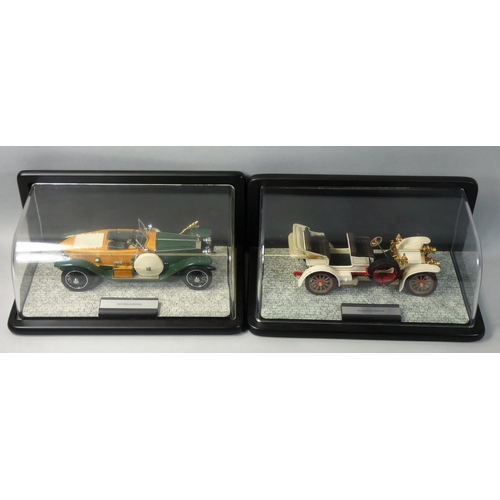 8 - Franklin Mint precision models, 1:24 scale 1914 Rolls Royce, together with a Mercedes Simplex, both ...