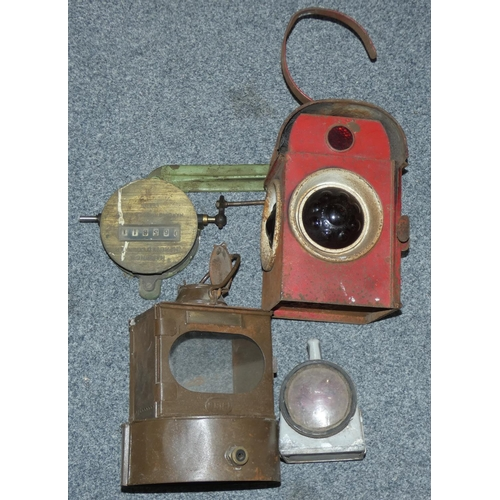 56 - A BR(E) lamp internal, a WRCC red lamp and two other items...