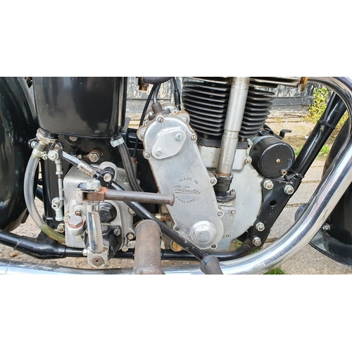 3002 - 1939 Velocette KSS MkII, 350cc. Registration number 277 UXC (non transferrable). Frame number KDD866...