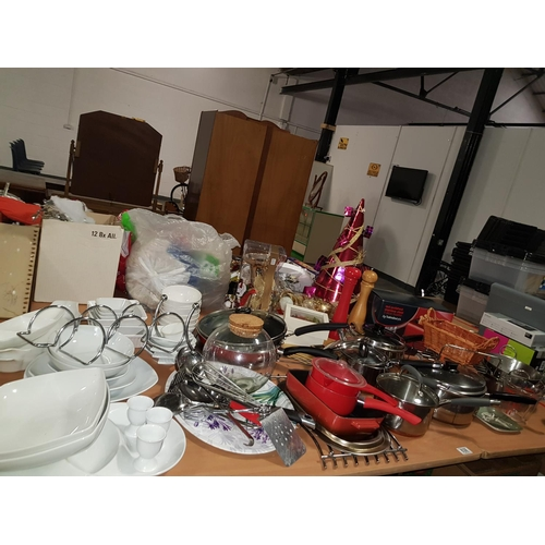 838 - Collection of kitchen items...
