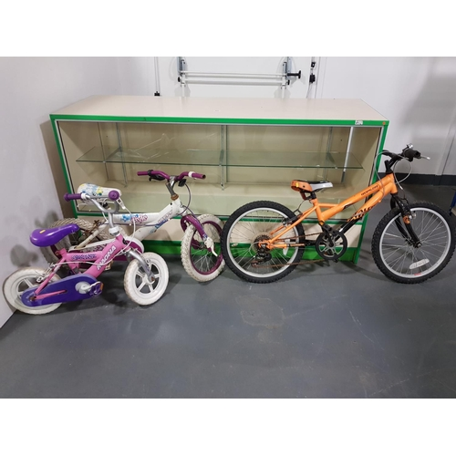 905 - 3 x children bicycles...