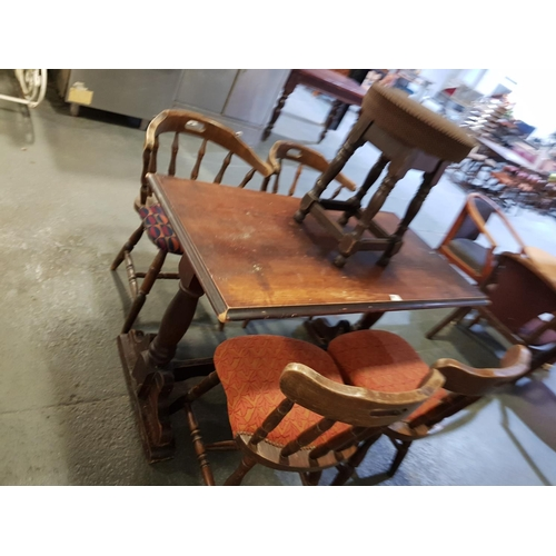 907 - Pub table, 4 chairs and a stool...