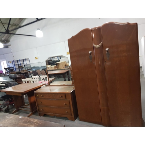 919 - Wardrobe, dressing chest and extending table...