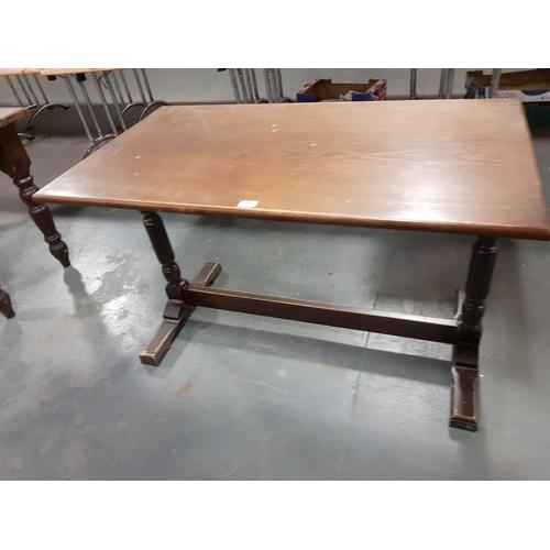 929 - Pub table...