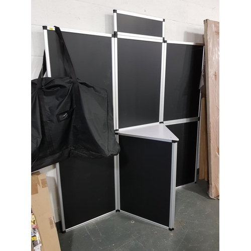 908 - Portable display unit with case...