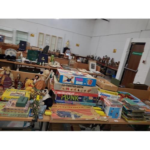 14 - Quantity of vintage childrens games, annuals ,bricks etc....