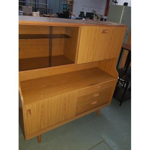 533 - 3 draw sideboard...