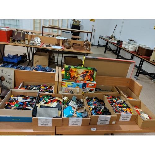 33 - Large quantity of Lego...