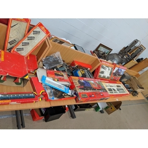 A large quantity of Hornby train items including Hornby