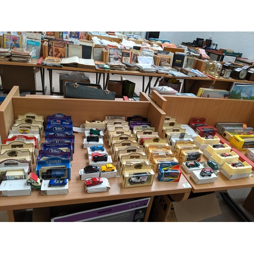 15 - 50 model cars, Days Gone, boxed...