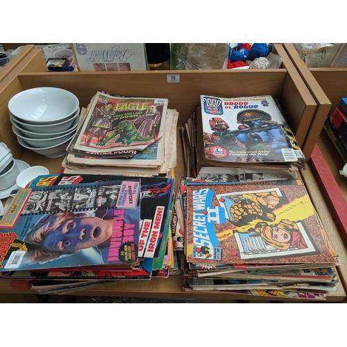 19 - A large quantity of vintage Eagle comics, Judge Dress, Marvel etc...
