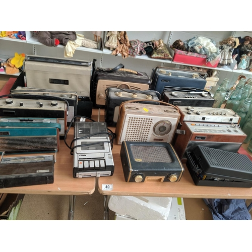 40 - A quantity of vintage radios including Hacker, Roberts etc....