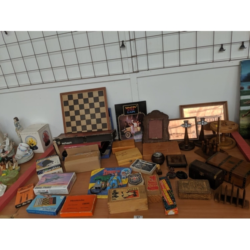 57 - Mixed miscellaneous items including treen,games etc....
