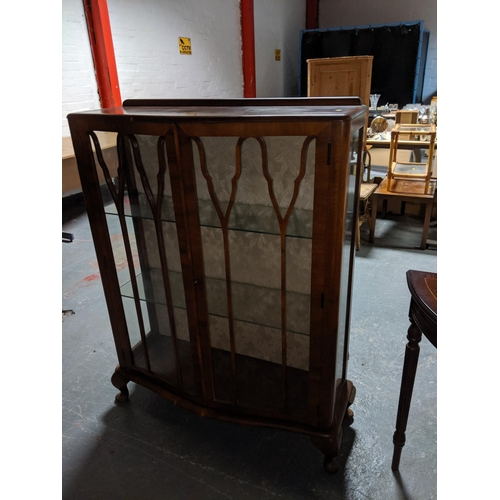 789 - A glass fronted display cabinet...